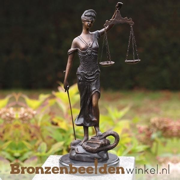 Vrouwe justitia kopen